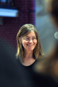 Chorleiterin Eva Overlack